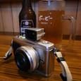 居酒屋のカウンターにあっても嫌味にならないカメラ